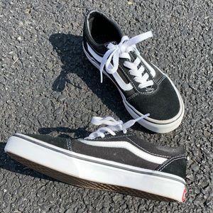 Black and White Boys Old Skool Vans